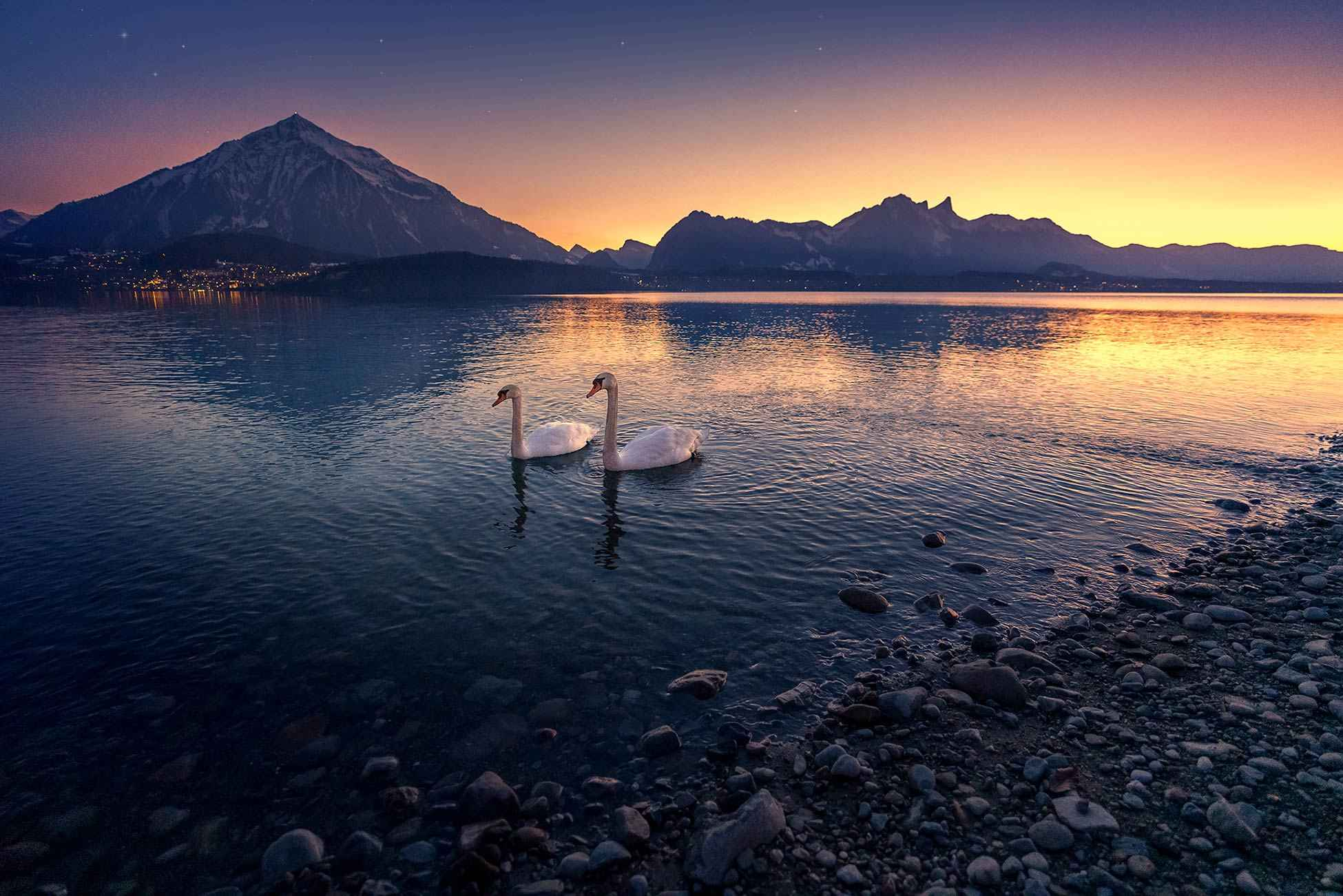 Thunersee am Abend