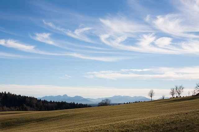 nuages de beau temps en altitude